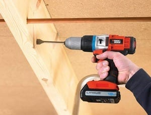 BLACK+DECKER Perceuse à percussion 18V